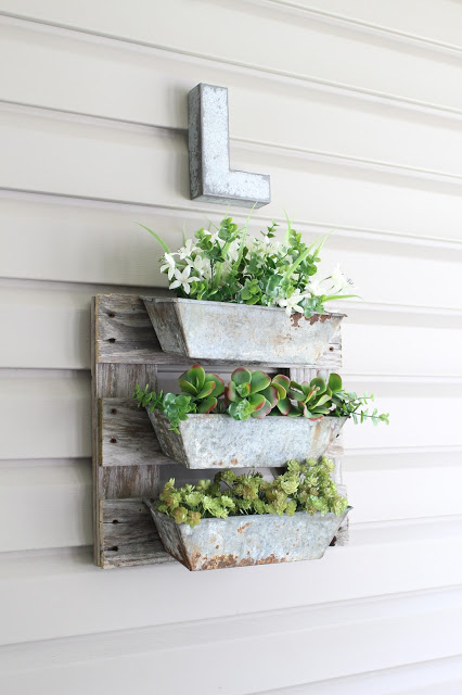 An easy DIY pallet project using turpentine boxes and salvaged pallet wood