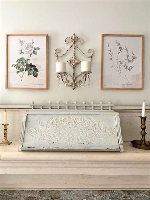 cottage style mantel decor